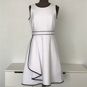NWT Calvin Klein White and Black Fit And Flare